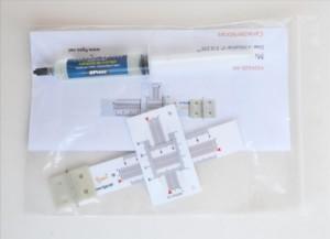 Fisurómetro angular incluye adhesivo de montaje.